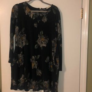 Used tunic top/dress with pockets.